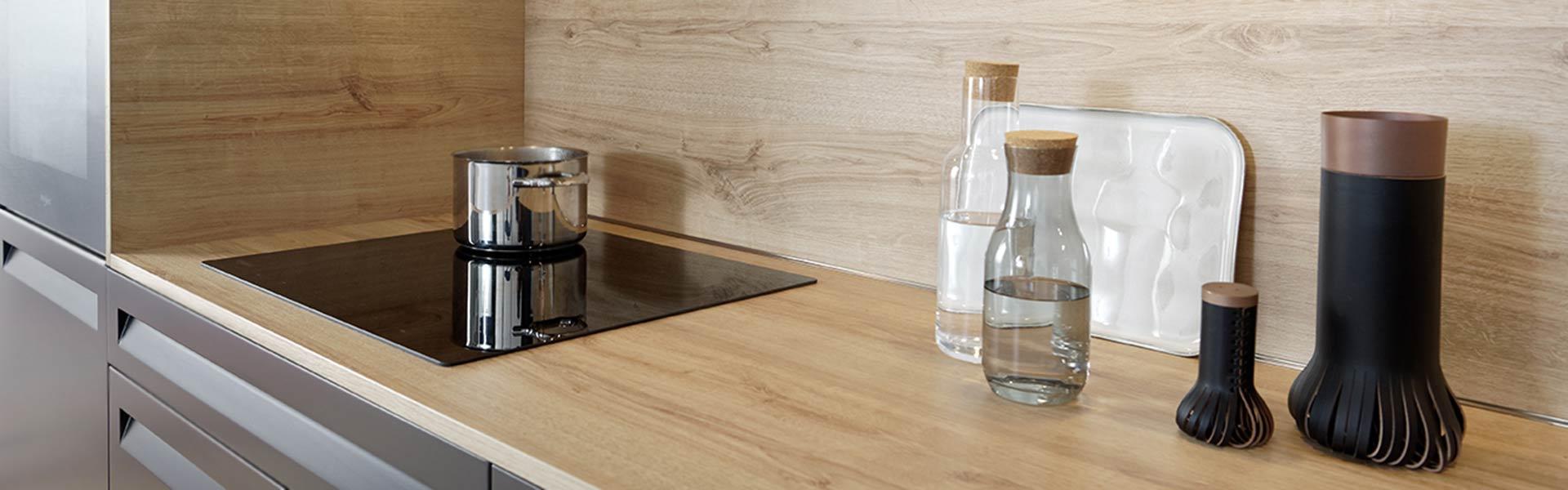 Køkkenbord i laminat
