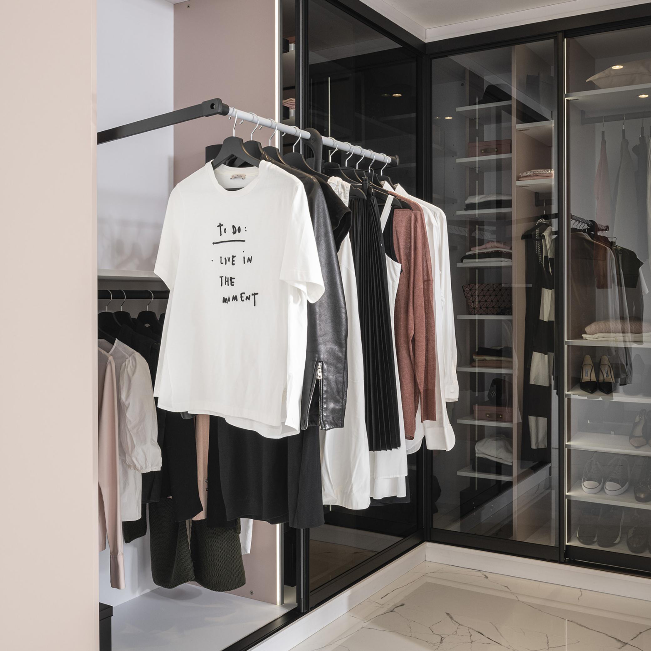 Garderobe med bøylestenger